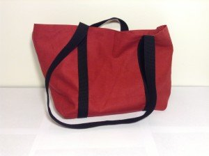 Hemp tote, red with black handle